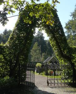 Entree van het kerkhof