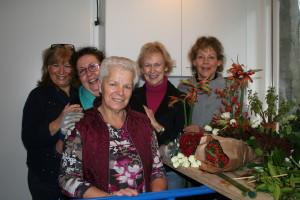 v.l.n.r. De dames Janny Engelsman, Francien Gradussen, Annie Schiphorst, Anne van Venrooij, Trees Hafkamp