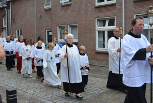 In processie