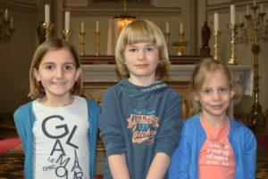 De kinderen van de geloofsgemeenschap Joppe die dit jaar hun Eerste Heilige Communie doen.
