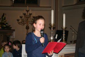 Maria leest gedichtje voor